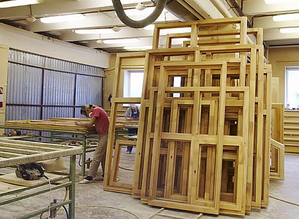 Изготовление оконных рам из дерева на заказ