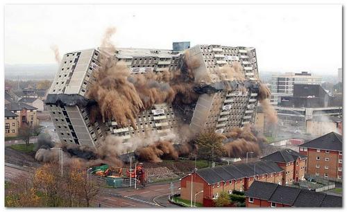 Демонтаж и разрушение зданий