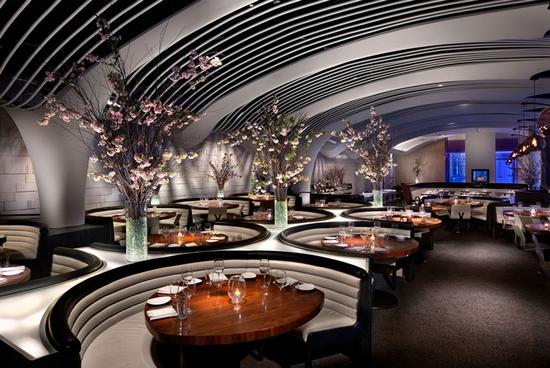 Ресторан в небоскребе