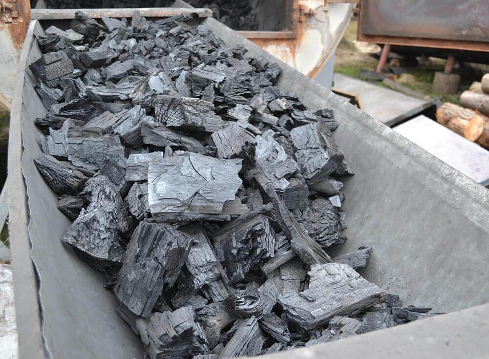 Производство древесного угля — специфика бизнес-проекта, вложения и окупаемость