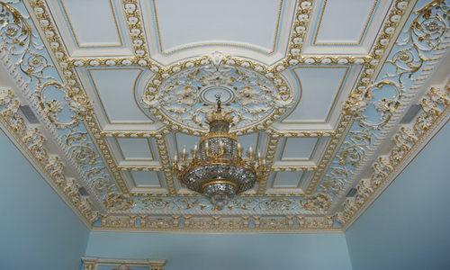 Гипсовые украшения для потолка