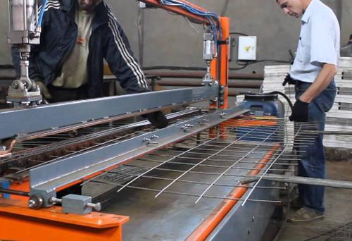 Персонал в производстве кладочной сетки