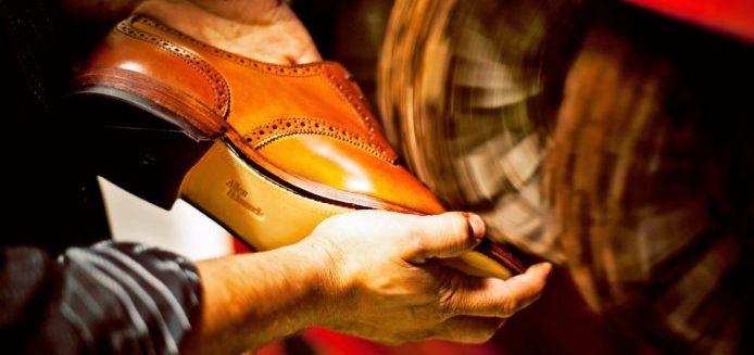 3022169 poster p 1 walk a mile in his shoes allen edmonds ceo took the footwear e1492791717629 - Бизнес идея - открытие мастерской по ремонту обуви