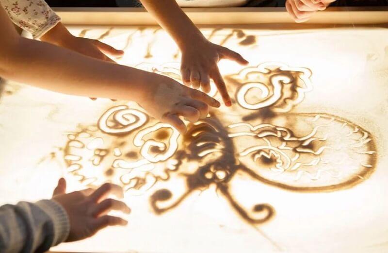 Рисование песком – бизнес-идея для творческих людей
