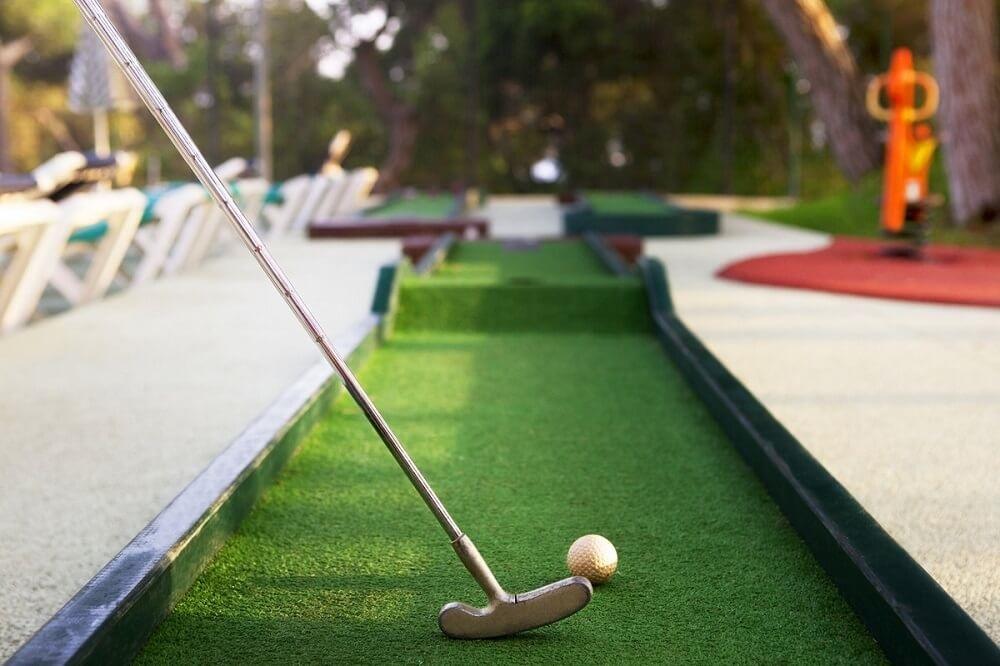 Мини гольф-клуб как бизнес-идея: развлечение, польза, прибыль