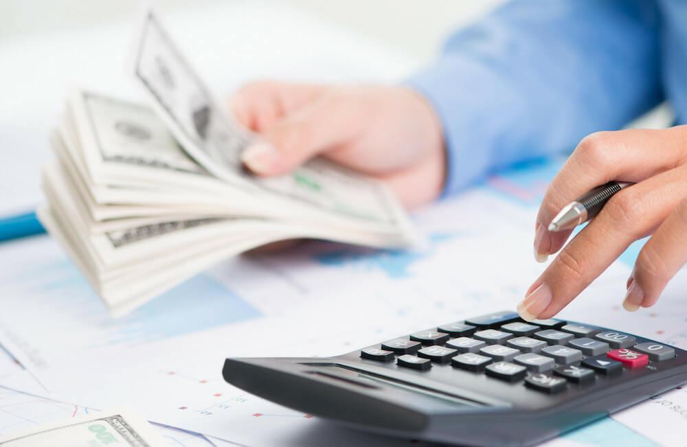 Калькулятор и деньги — подсчет