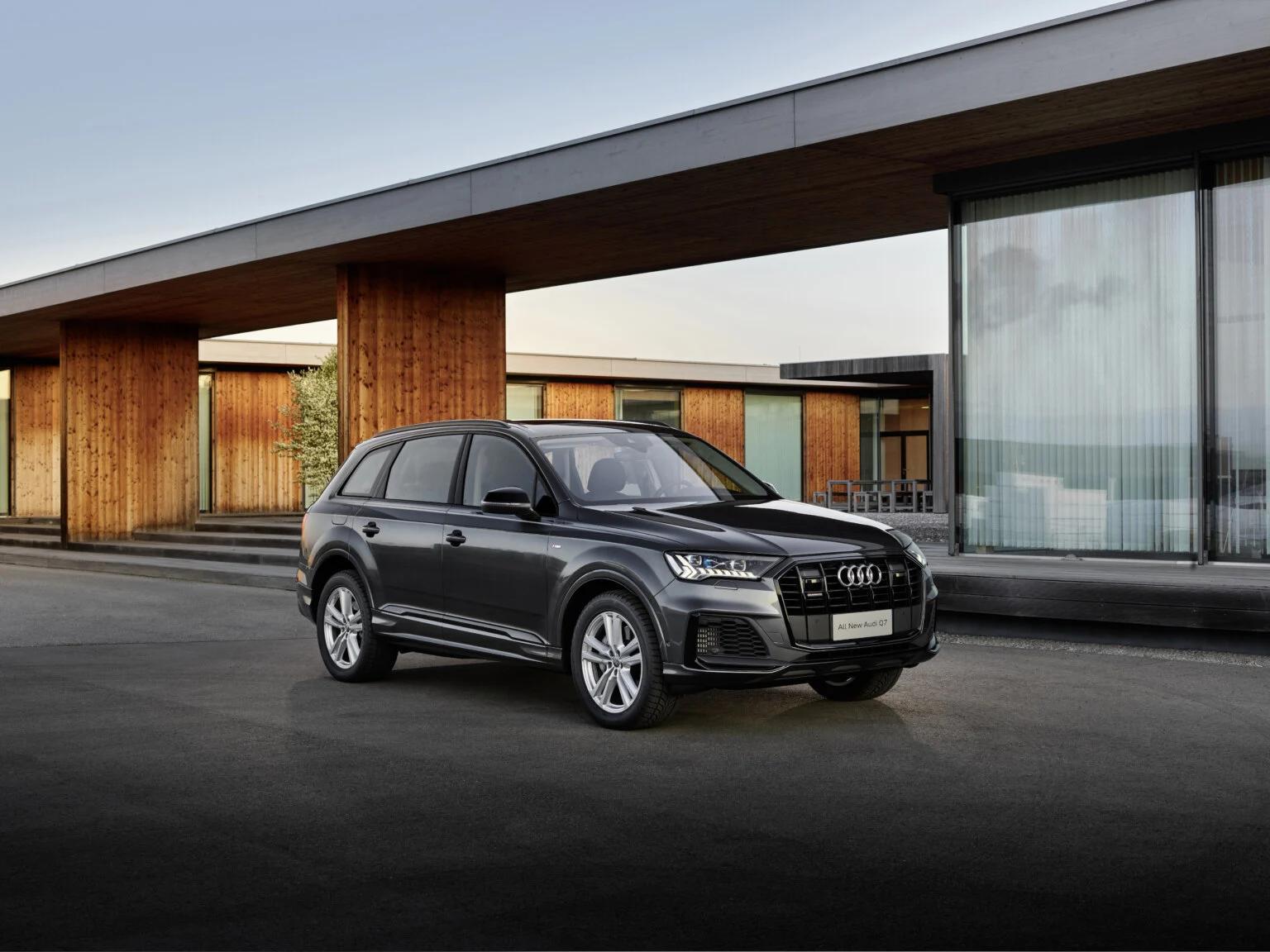 Стоит ли брать в аренду Audi Q7 в Дубае — все плюсы и минусы кроссовера