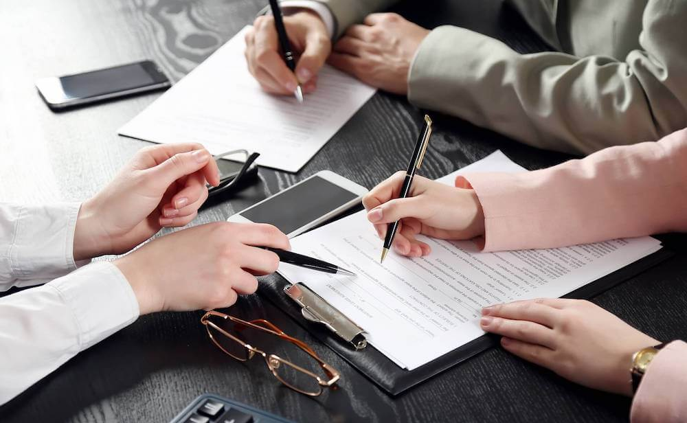Оформление документов и разрешений