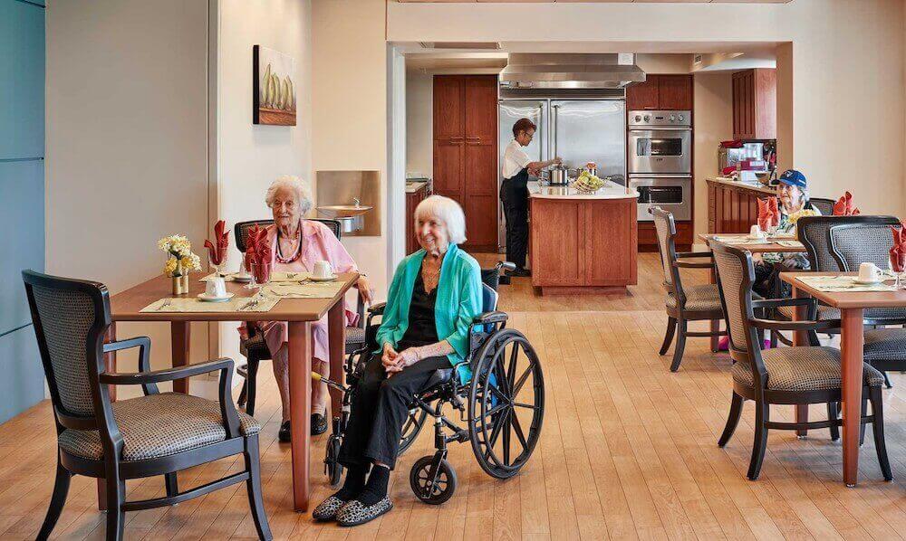 Дом престарелых — как организовать прибыльный и честный бизнес