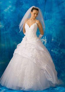 55536141queen07 - Бизнес план свадебного салона